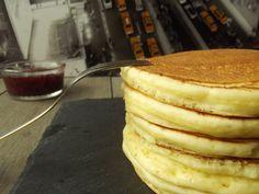 Un bon gros PANCAKE LIGHT pour seulement 81 kcal http://lalignegourmande.fr/recettes/biscuits-2/pancakes/