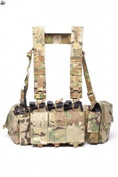 Get the RECCE Chest Rig online, made in the USA and available via Velocity Systems at affordable prices. Gear 2, Tac Gear, Gucci Suit, Chest Rig, Tactical Vest, Outdoor Brands, May Flowers, H Style, Messenger Bag