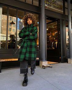Look Fashion, Autumn Fashion, Fashion Outfits, Fancy Black Dress, Cold Weather Fashion, Belstaff, New York Fashion, New York Winter Fashion, Winter Outfits
