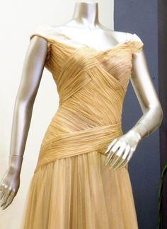 Vestido de fiesta por Salva Sanleón #drapeado #vestido #vestidodefiesta #invitada #madrina