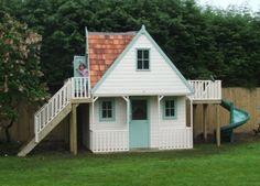 Vooraanzicht houten speelhuis