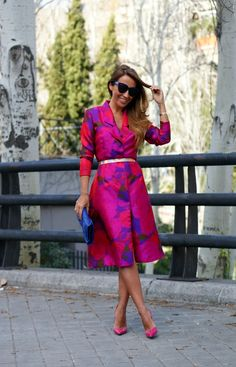 CON DOS TACONES: DRESS COAT
