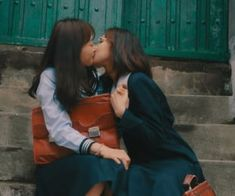 79 imágenes sobre because wlw ⚢ en We Heart It | Ver más sobre girls, lesbian y love Aesthetic Japan, Japanese Aesthetic, Cute Lesbian Couples, Lesbian Love, Couple Ulzzang, Want A Girlfriend, Def Not, Lesbians Kissing, Donia