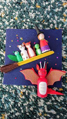 Matryoshka Doll, Kokeshi Dolls, Diy For Kids, Crafts For Kids, Room On The Broom, Wood Peg Dolls, Book Baskets, Handmade Wooden Toys, Wooden Pegs