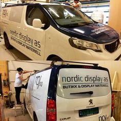 Bilfolie på egen bil - laget av Nordic Display AS Van, Display, Floor Space, Billboard, Vans, Vans Outfit