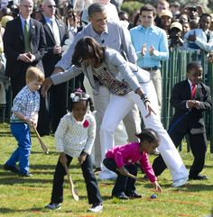President Barack Obama and First Lady Michelle Obama kicked off the annual White House Easter Egg Roll this morning, welcoming of visitors, children and families, into the grounds of their home. Malia Obama, Michelle And Barack Obama, White House Easter Egg, Kid President, Vintage Black Glamour, Pastel Outfit, Godly Man, Precious Moments, In This Moment