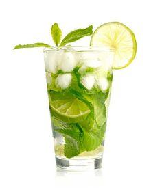 A Sempre Materna nos ensina 14 receitas de drinques especiais para gestantes, todos saudáveis e sem álcool. Tem até a versão de mojito!...