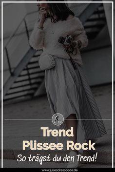 Trend Plisseerock so trägst du Faltenröcke im Alltag - Julies Dresscode Dress Code, Street Style, Blog, Inspiration, Dresses, Fashion, Styling Tips, Woman Outfits, Outfit Ideas