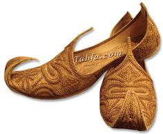 Buy online Khussa shoes and Fancy shoes from Pakistan. Indian Pakistani shoes and clothing accessories. Men's Wedding Shoes, Wedding Men, Fancy Shoes, Men's Shoes, African Men Fashion, Mens Fashion, Indian Shoes, Groom Outfit, White Boys