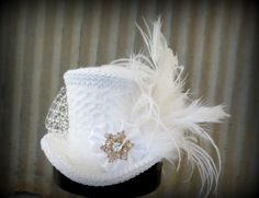 Christmas Snowflake Wedding Mini Top Hat, Alice in Wonderland, Mad Hatter Hat, Steampunk Christmas,Tea Party Hat, New Year's Mini Top Hat
