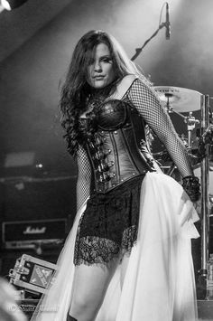 Ailyn Giménez (born: May Esplugues de Llobregat, Spain) is a Spanish singer and songwriter. She is best known as the current female vocalist of the Norwegian symphonic/gothic metal band Sirenia. Chica Heavy Metal, Heavy Metal Girl, Gothic Bands, Viking Metal, Rock Queen, Women Of Rock, Rocker Girl, Symphonic Metal, Steampunk