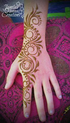 uber swirl henna www.jamilahhennacreations.com
