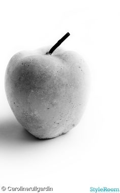 CONCRETE APPLE / MANZANA DE CEMENTO