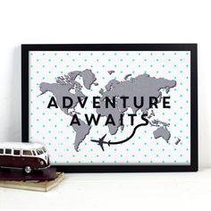 Cartel del mapa de mundo, aventura espera, lunares, menta, escandinavo, mínimo, impresión de vivero, mapa del mundo, vivero Decor, Wanderlust, mapa de arte