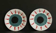 Turn ordinary paper plates into super Spooky Paper Plate Eyes for Halloween with this fun craft! With a little paint, you can transform ordinary white paper plates into creepy eyeballs.
