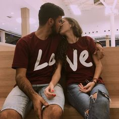30 Matching Clothing Outfit with Couple - Fashionmgz Cute Couple Shirts, Couple Tees, Matching Couple Outfits, Matching Couples, Cute Couples, Couple Clothes, Couple Style, Cute Relationship Goals, Cute Relationships