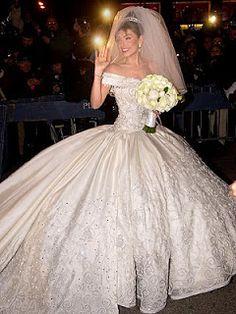 Vestidos de novia para una boda perfecta: Bodas de Famosas: Thalía