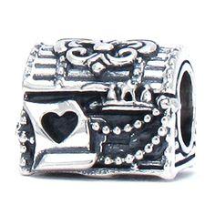BELLA FASCINI® The Treasure Within Chest Bead Charm 925 Sterling Silver Fits Pandora, Chamilia & More Bella Fascini http://www.amazon.com/dp/B0188NHK30/ref=cm_sw_r_pi_dp_IQ5xwb0JM587Z
