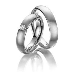 Eheringe 123gold MyStyle, Weißgold 585/- Breite: 5,00 - Höhe: 2,40 - Steinbesatz: 1 Brillant 0,12 ct. tw, si (Ring 1 mit Steinbesatz, Ring 2 ohne Steinbesatz). Alle Eheringe können Sie individuell nach Ihren Wünschen konfigurieren.