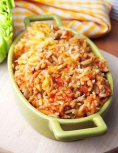 Szefowa w swojej kuchni. ;-): Zapiekanka gołąbkowa Polish Recipes, Meat Recipes, Cooking Recipes, Meat Meals, B Food, Food Porn, Good Food, Meals For One, Fried Rice