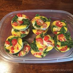 Breakfast Veggie Egg Cups // 21 day fix Meal Prep // Take 6-7 eggs and whisk in a bowl. In a muffin tin add chopped spinach & tomatoes, pour eggs until 3/4th of the way full. Bake at 350 for 15-20 minutes. #21dayfix #mealprep