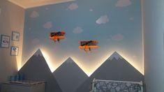 Não parece cenário de filme? Decoração de muito bom gosto, amei 😍 As nuvens são da nossa loja! Clique na foto e veja o quanto é baratinho fazer uma decoração com estas nuvens! #decor #decoração #decoracao #nuvens #cloud #nuvem #fofinho #fofura #quarto #quartodebebê #quartodebebe #quartoinfantil #quartodecriança