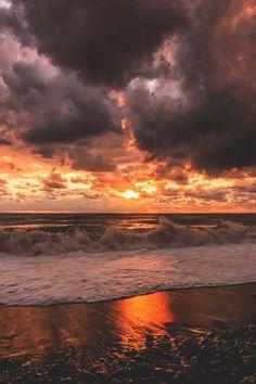 lsleofskye:Sunset in the Black Sea | Ilya Bunin