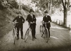 August Sander, Bicyclists, Cologne, 1924.