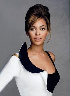The 35 Best Brunette Beauties of All Time: From Audrey Hepburn to Penelope Cruz – Vogue - Beyoncé Beyonce 2013, Beyonce Et Jay Z, Estilo Beyonce, Beyonce Photos, Beyonce Style, Beyonce Knowles, Brunette Beauty, Brunette Hair, Hair Beauty