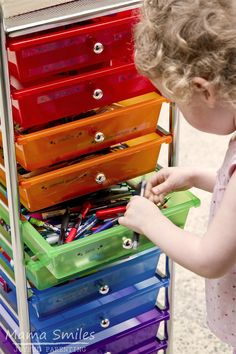 I love this simple way to store craft supplies for kids - no more lost scissors and pens! The post includes a free label printable to get your started, as well as a link to the best place we've found to buy storage carts like this at an affordable price.