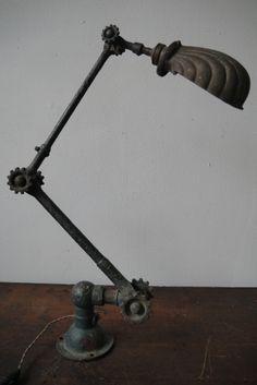 unique Lampe Dugdill designer John Dugdill (1907) dans son jus