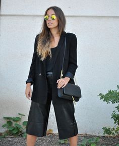 Leather Culottes. All black summer to fall transition look. Office. Trendencies