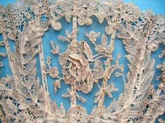 Exquisite Belgian Lace - Point de Gaze Fan detail by evangeline Needle Lace, Bobbin Lace, Shabby, Donia, Vintage Fans, Lacemaking, Art Textile, Passementerie, Pearl And Lace