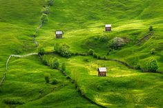Sadova, Suceava ♦ Romania (by Sorin Onisor) Romanian People, Visit Romania, Dream Images, Carpathian Mountains, Church Architecture, The Good Place, Places To Visit, Country Roads, Europe