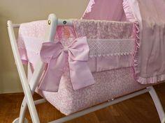 Principes y Princesas.: Instrucciones de cómo montar una minicuna con dosel Bassinet, Baby, Kawaii, Furniture, Home Decor, Baby Things, Standing Bath, Nest Box, Infant Bed