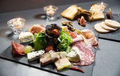 La planche XL charcuterie, foie gras et fromage de Charles Leriche #charcuterie #foiegras #fromage #streetfood #foodtruck #cuisine #gastronomie #charlesleriche charles-leriche.com