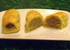 Irish Sausage Roll - just using the pic as an easy breakfast idea. Appetizers For Party, Appetizer Recipes, Irish Sausage, Hot Dogs, Main Meals, Pub Meals, Dinners, Sausage Rolls, Irish Recipes