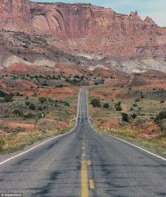 Route 66Cette route mythique relie la ville de Chicago, dans la région des Grands Lacs, à Santa Monica, sur la côte californienne. Elle s'étire sur quelque 3 900 km, traverse 8 états et 3 fuseaux horaires. Voir l'épingle sur Pinterest/ Via Dailymail.co.uk