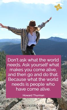 What's Your Bliss? Use these questions to uncover what your ideal career looks like - the one that makes you one to jump out of bed each and every morning because your heart is FULLY in it! Career Quotes, Career Advice, Happy Thoughts, Positive Thoughts, Howard Thurman, Happiness Challenge, Country Girl Quotes, Career Planning, Over The Hill