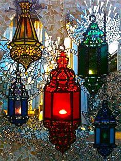 Anisa Sharif, Ausralian Mosaic Artist anisa.sharif@facebook.com