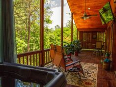 Beavers+Bend+State+Park,+Southern+Hill+Addition+++Vacation Rental in Oklahoma from Broken Bow Oklahoma, Broken Bow Lake, Beavers Bend State Park, State Parks, Paddle Board Rentals, Beaver Bend, Honeymoon Cabin, Red River, Rustic Elegance