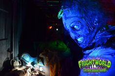 He's got looks that could kill ;) - Halloween - Haunted House - Frightworld - Horror