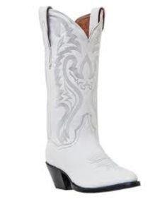White cowboy boots ❤