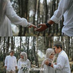 Pre Wedding Poses, Pre Wedding Photoshoot, Wedding Shoot, Wedding Jobs, Muslimah Wedding, Prewedding Outdoor, Foto Wedding, Romantic Wedding Photos, Outdoor Wedding Photography
