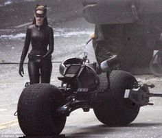 Anne Hathaway as CAT WOMAN!