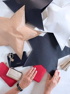 Creative Wrapping Idea: DIY Stitched Up Gift Wrap (a pair & a spare) Creative Gift Wrapping, Creative Gifts, Wrapping Ideas, Pretty Packaging, Gift Packaging, Noel Christmas, Christmas Crafts, Star Gift, Diy Gifts