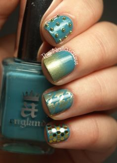 The base colour is A-England Galahad; Barry M Gold Foil for the gradient and stamping (Bundle Monster BM322).
