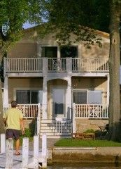 Absolutely Adorable Lakefront Home for Rent on Lake DelavanVacation Rental in Delavan from @HomeAway! #vacation #rental #travel #homeaway