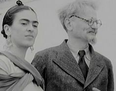 DivaDeaWeag |(foto5/10 Tuvo un romance con el polìtico y revolucionario ruso Leòn Trotski)10 curiosidades que desconocía sobre la vida y obra de Frida Kahlo.Destacò por su originalidad y rebeldìa,y pese a las adversidades a las que tuvo que hacer frente en su vida,demostrò ser una mujer tremendamente fuerte y valiente.Ademàs,su estilo ha sido fuente de inspiraciòn para numerosos artistas.