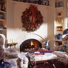 A favorite image from one of my favorite holiday issues of Traditional Home magazine. I'll have to check the year, it was quite a while ago. Done. Traditional Home, Holiday issue, 1999. Gwyneth and Bryan Booth's family room, Portland, Oregon. A huge Della Robbia wreath of apples, pears, berries, nuts, pinecones, and fresh evergreens over the fireplace.